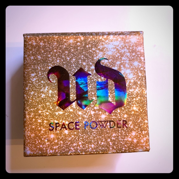 Urban Decay Space Powder - Brand new
